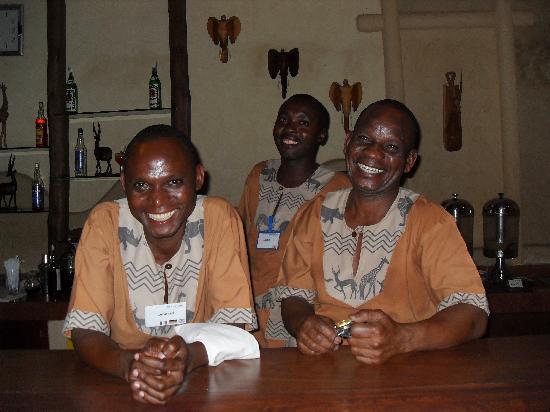 Neptune Beach Resort: friendly happy bar staff
