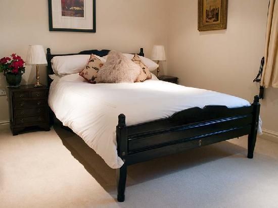 Merivale House: Double bedroom