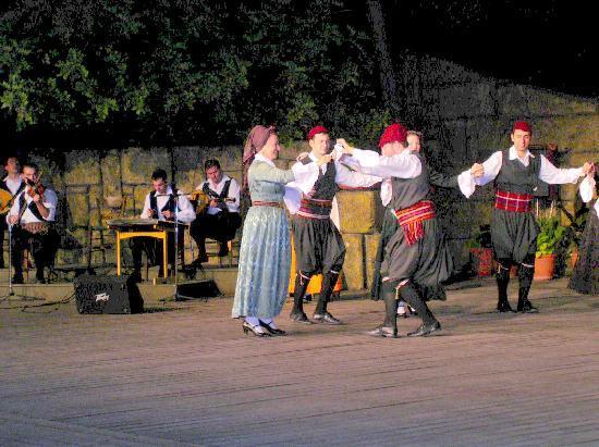 """Танцевальный Театр """"Дора Страту"""": Original griechischer Tanz"""