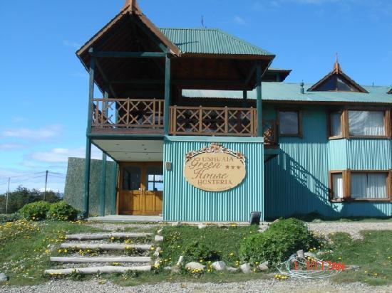 Hosteria Ushuaia Green House: Front Entrance
