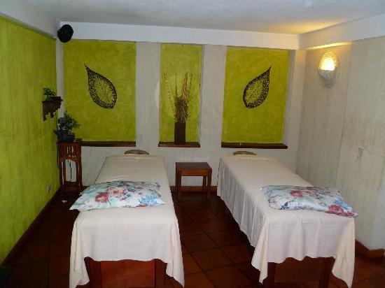 Santa Teresita Hotel & Spa Thermal: SPA treatment room for two