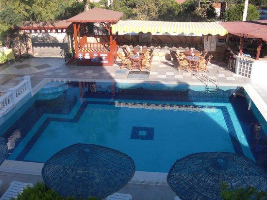Palmiye Aparts Pool