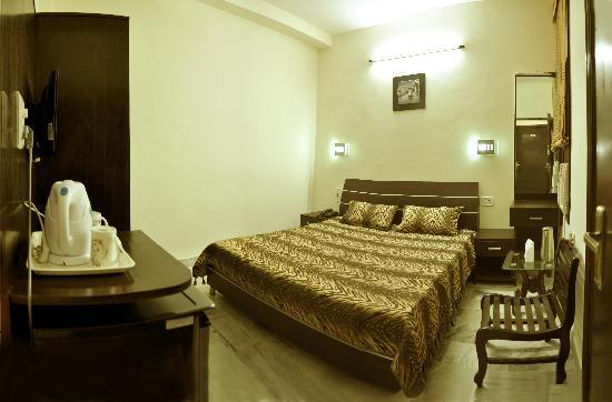 HOTEL AKAAL RESIDENCY: EXECUTIVE ROOM