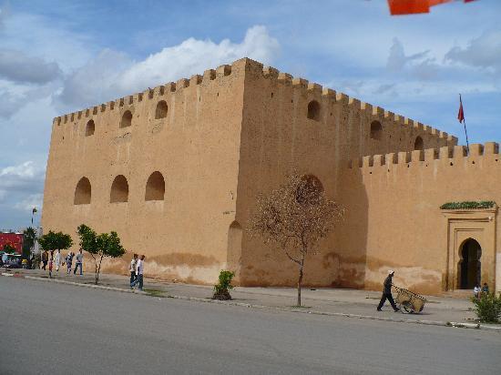 Mequinez, Marruecos: ciudad antigua de meknes