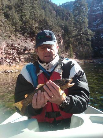 Flaming Gorge Resort : Green River fishing. This was a small one!