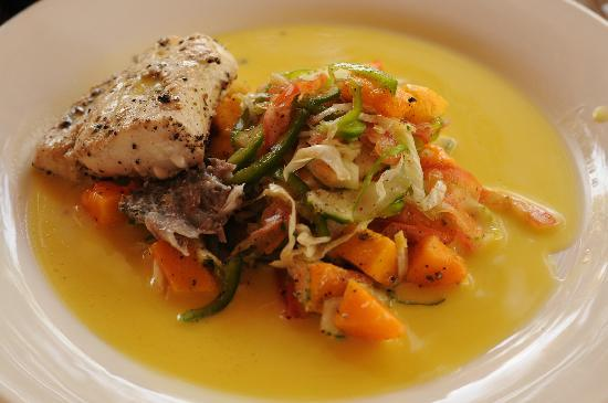 Zanzibar Retreat Hotel: One example of the excellent food we were served at the hotel. Local fish with passion fruit vin