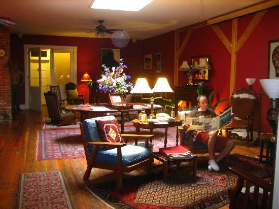 The Broadway Hotel: The comfy lounge area