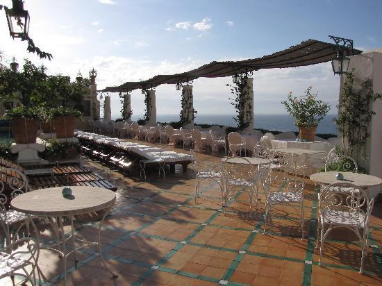 Le Sirenuse Hotel: the pool area Le Sirenuse Positano