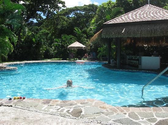 East Winds Inn: Pool