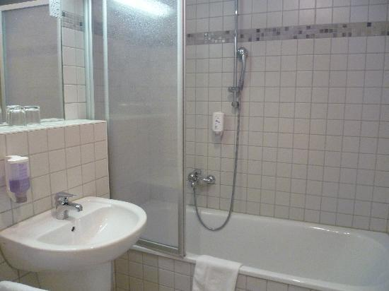 Hotel Duesseldorf Mitte: Baño