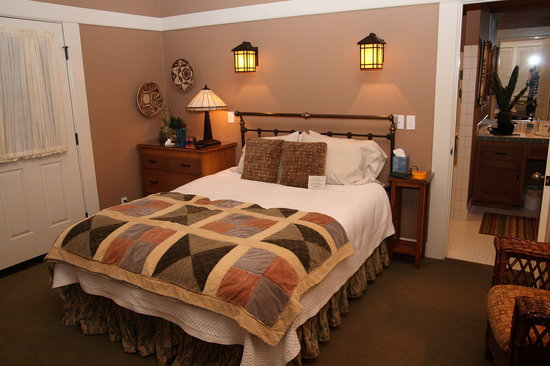 Orchard Hill Country Inn: Gladstone Bed