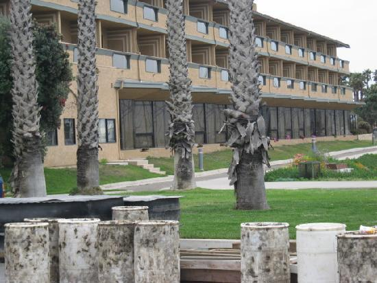 Holiday Inn Express Hotel & Suites Ventura Harbor: Raw sewage container below hotel rooms