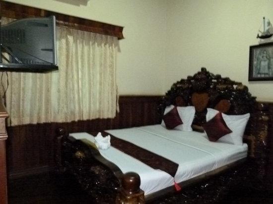 Sawasdee Angkor Inn : TV and aircon in the budget category