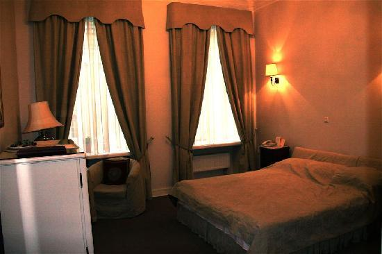Casa Leto : Rastrelli Room, large with separate bathroom facilities