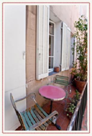 La Pension Edelweiss: Pension Edelweiss - Chambre d'hôte Marseille et balcon
