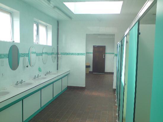 Polmanter Touring Park: toilet block