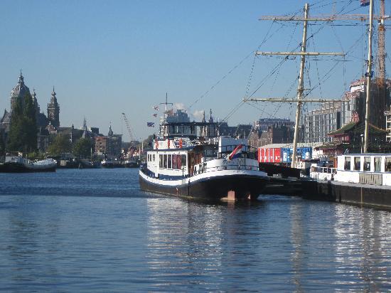Vita Nova: The boat