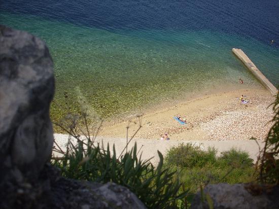 Plat, Croacia: la plage ... magnifique
