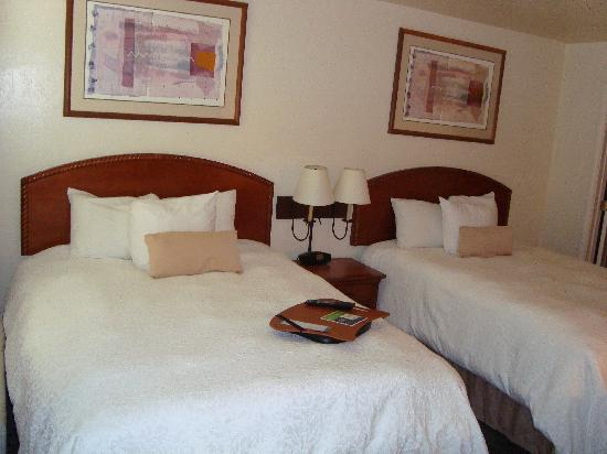 Red Lion Inn & Suites Phoenix-Tempe: Hampton Inn & Suites