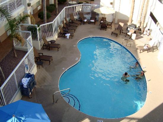 Red Lion Inn & Suites Phoenix-Tempe: Our room