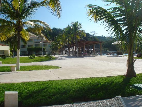 Dreams Huatulco Resort & Spa: Otra vista del Hotel