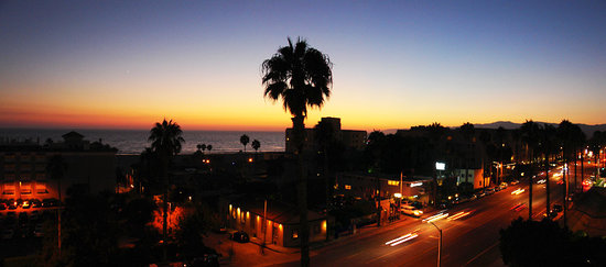 Viceroy Santa Monica: Looking West from our room
