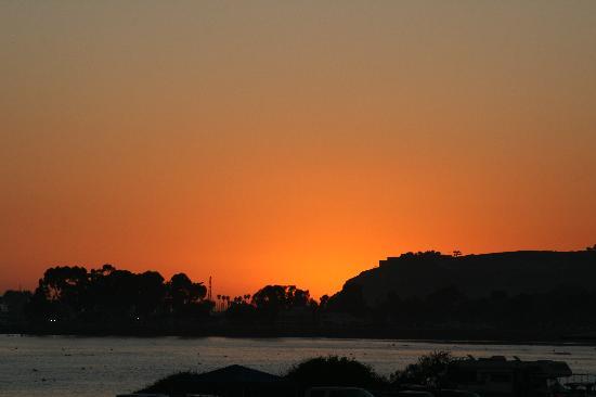 Riviera Beach Spa Resort : View from pool of ocean sunset