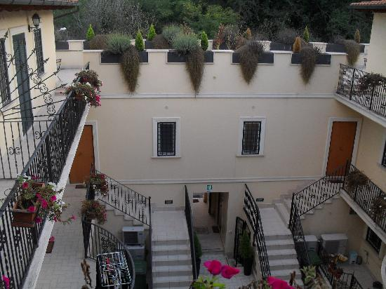Aurelia Vatican Apartments The Internal Courtyard Of