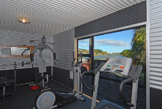 At the Rocks Motor Lodge: Gym
