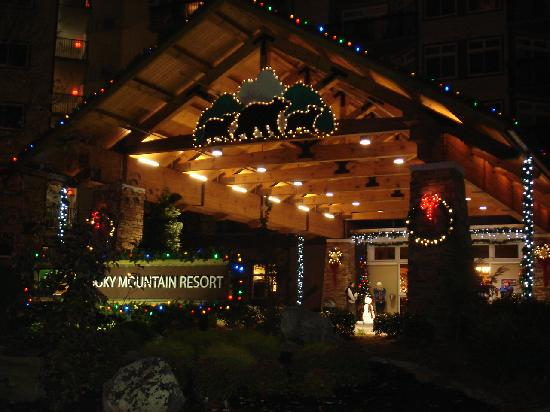 Holiday Inn Club Vacations Smoky Mountain Resort: Entrance decorations!