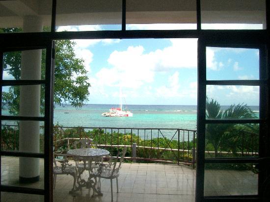 Silver Seas Resort Hotel: veiw from Lobby
