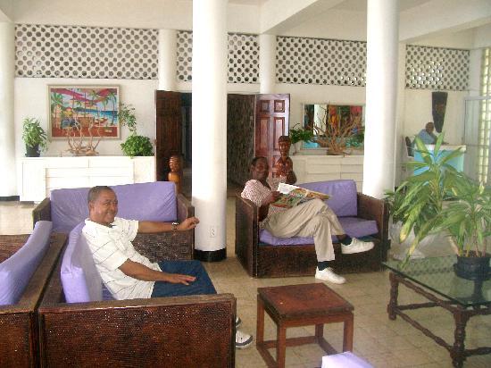 Silver Seas Resort Hotel: Barry,Percy and Mr.Davis