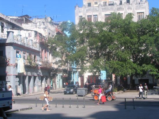 La Habana, Cuba: Habana Vieja near Obispo