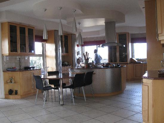 Royal Benguela Guesthouse: The kitchen