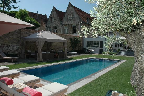 Casa Romantico: Outdoor view