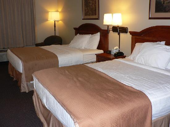 Howard Johnson Rapid City: Two queen beds