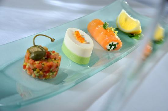 Sarah Bernhardt: Trio variation of fish mini starters