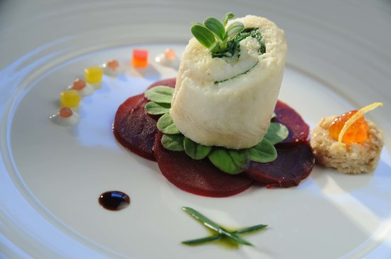 Sarah Bernhardt : Poached lemon sole on confited beet root