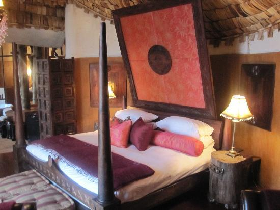 andBeyond Ngorongoro Crater Lodge: Bed