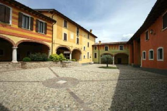 Bedizzole, Italia: Corte interna