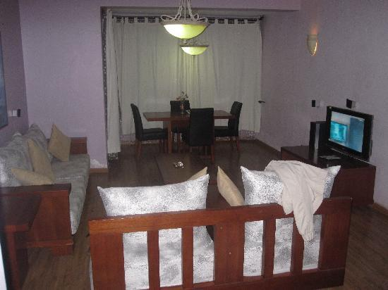 Wasini All Suite Hotel : Living Room