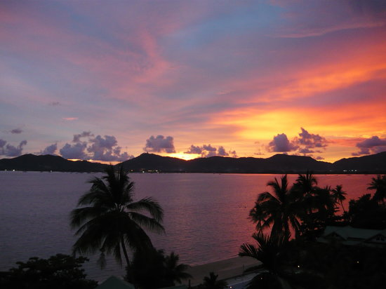 Cape Panwa, Thailand: Sunset from our balcony