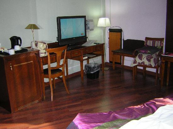 Hotel Plaza Andorra: Habitacion  suite