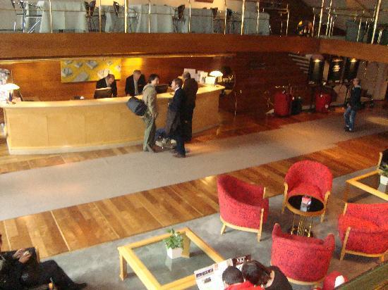 El Conquistador Hotel: Hall entrada