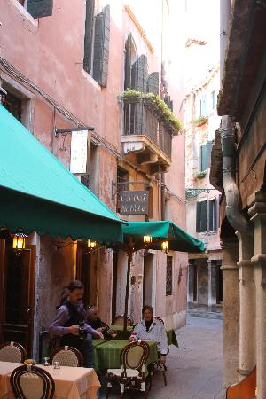 Ca' del Nobile: A view of Ca'del Nobile from the outside