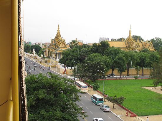 The Bright Lotus: le palais royal vu du 5è