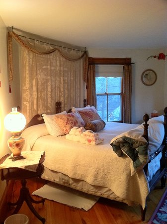 Colrain, MA: Rose Room
