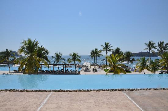Dreams Huatulco Resort & Spa: Dreams Pool and Beach