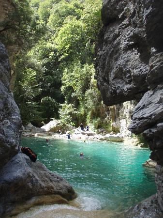 Breil-sur-Roya, France: canyon maglia