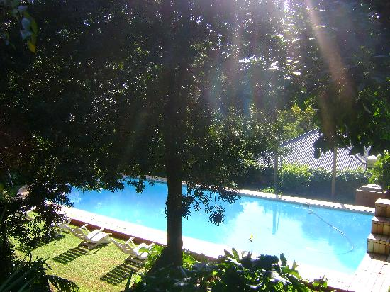 High View Gardens: Swimming pool